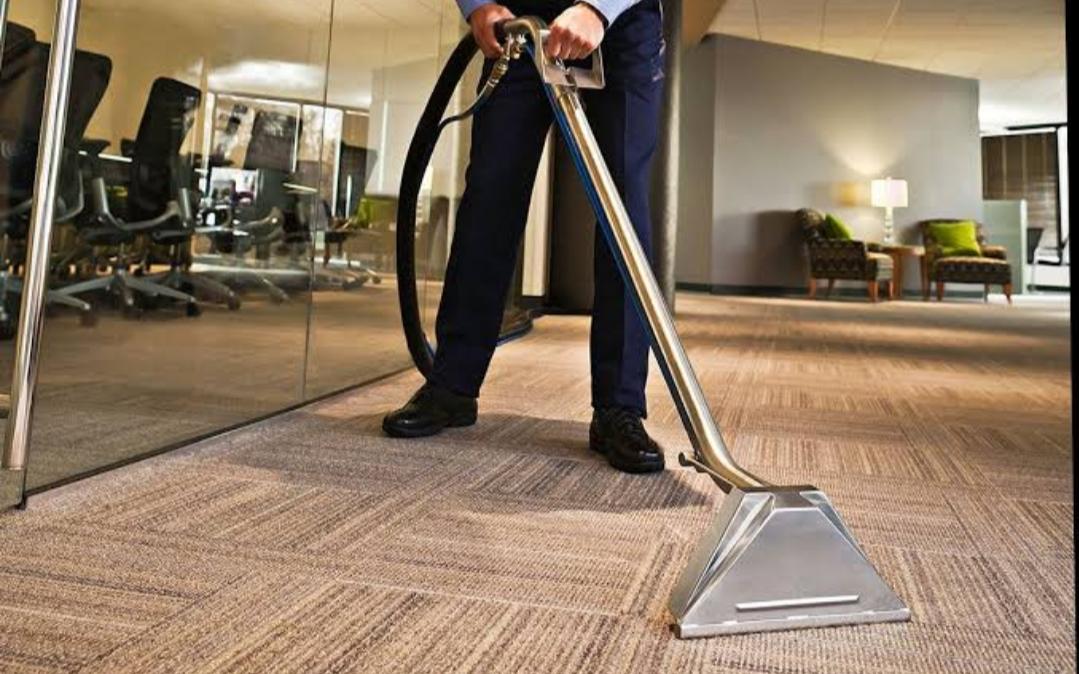 Cara Mudah Untuk Membersihkan Karpet Tile